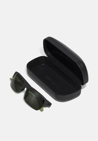 Nike Sportswear - MAVERICK FREE UNISEX - Sunglasses - sequoia/medium olive - 3