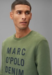 Marc O'Polo DENIM - Sweatshirt - utility olive - 4