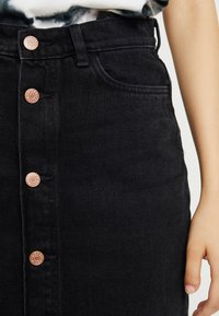 Monki - JESS SKIRT - Denim skirt - black - 3