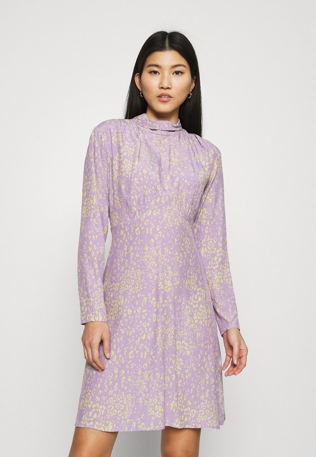 HIGH NECK MINI DRESS - Vardagsklänning - purple