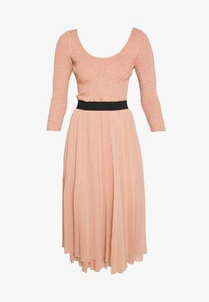 DRESS 2-IN-1 - A-snit nederdel/ A-formede nederdele - nude