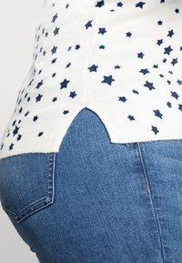 Marks & Spencer London - CASHMI MINI STAR - Jumper - off-white - 4