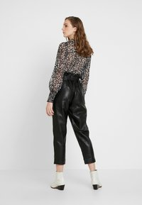 River Island - Spodnie materiałowe - black - 2