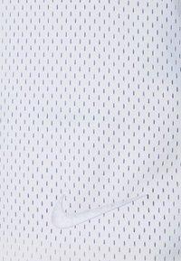 Nike Sportswear - Shorts - light thistle - 5