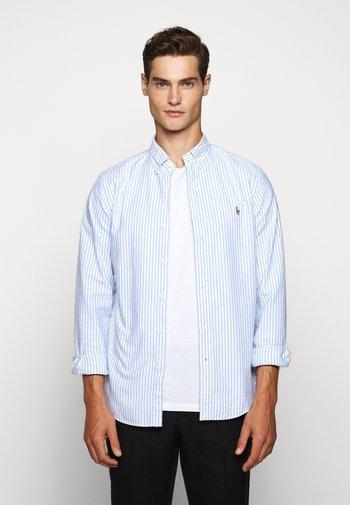 SLIM FIT STRIPED OXFORD SHIRT - Shirt - basic blue