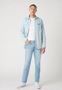 Wrangler - TEXAS - Straight leg jeans - clear blue - 1
