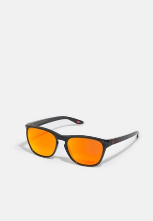 MANORBURN UNISEX - Sunglasses - black ink/ruby
