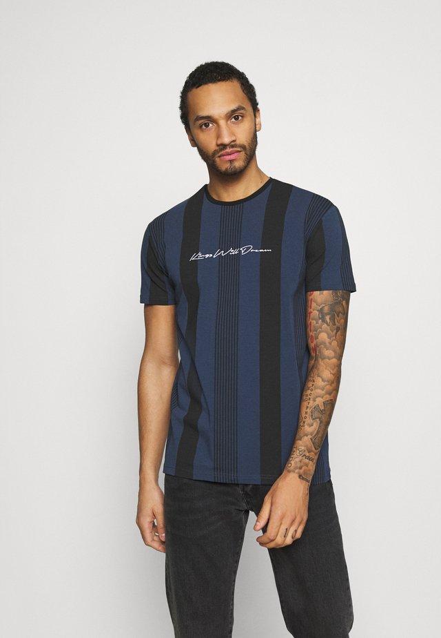 VEDLO - T-shirts med print - jet black / navy