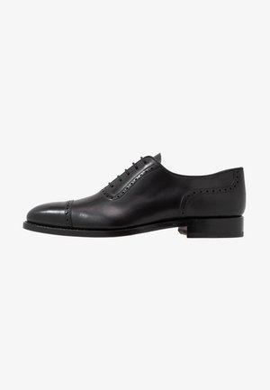 JULIEN - Elegantní šněrovací boty - orleans black