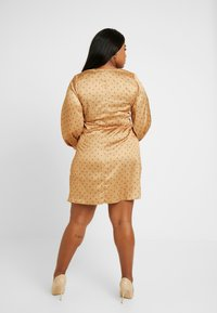 Fashion Union Plus - PRINT BOW FRONT SKATER DRESS - Day dress - gold - 3