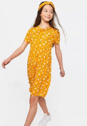WE FASHION MÄDCHENKLEID MIT BLUMENMUSTER - Shirt dress - yellow