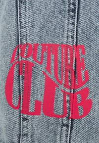 The Couture Club - NEON GRAFITTI REGULAR FIT JACKET - Jeansjacka - washed blue - 2