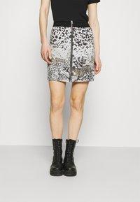 Desigual - TOUCHÉ - Pencil skirt - white - 0