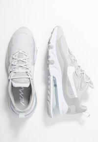 Nike Sportswear - AIR MAX 270 REACT - Sneaker low - grey fog/white/light smoke grey - 3