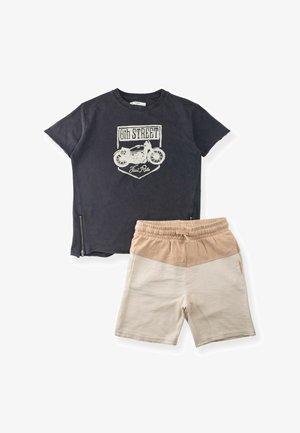 SET - Shorts - anthracite