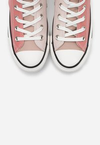 Converse - CHUCK TAYLOR ALL STAR - Höga sneakers - silt red/brick rose/white - 5