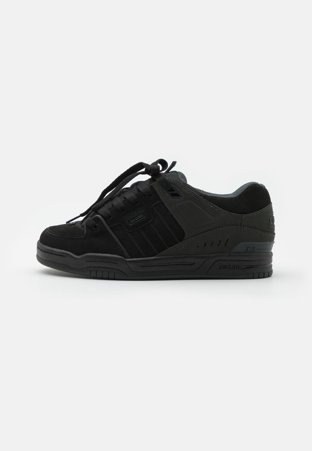 FUSION - Skate shoes - black/night
