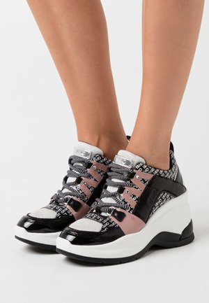 KARLIE REVOLUTION  - Trainers - white/black