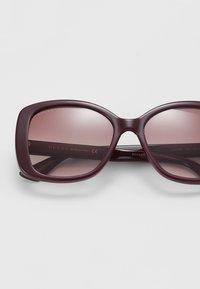 Gucci - Okulary przeciwsłoneczne - burgundy - 2