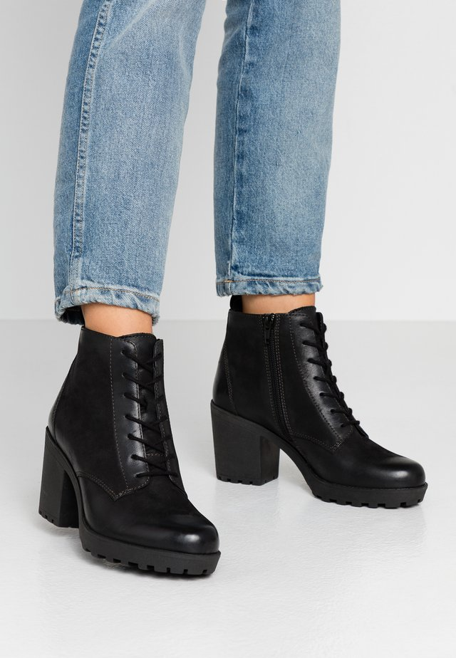LEATHER CLASSIC ANKLE BOOTS - Bottines - black