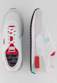 Puma - FUTURE RIDER NEON PLAY - Trainers - weiss / rot - 3