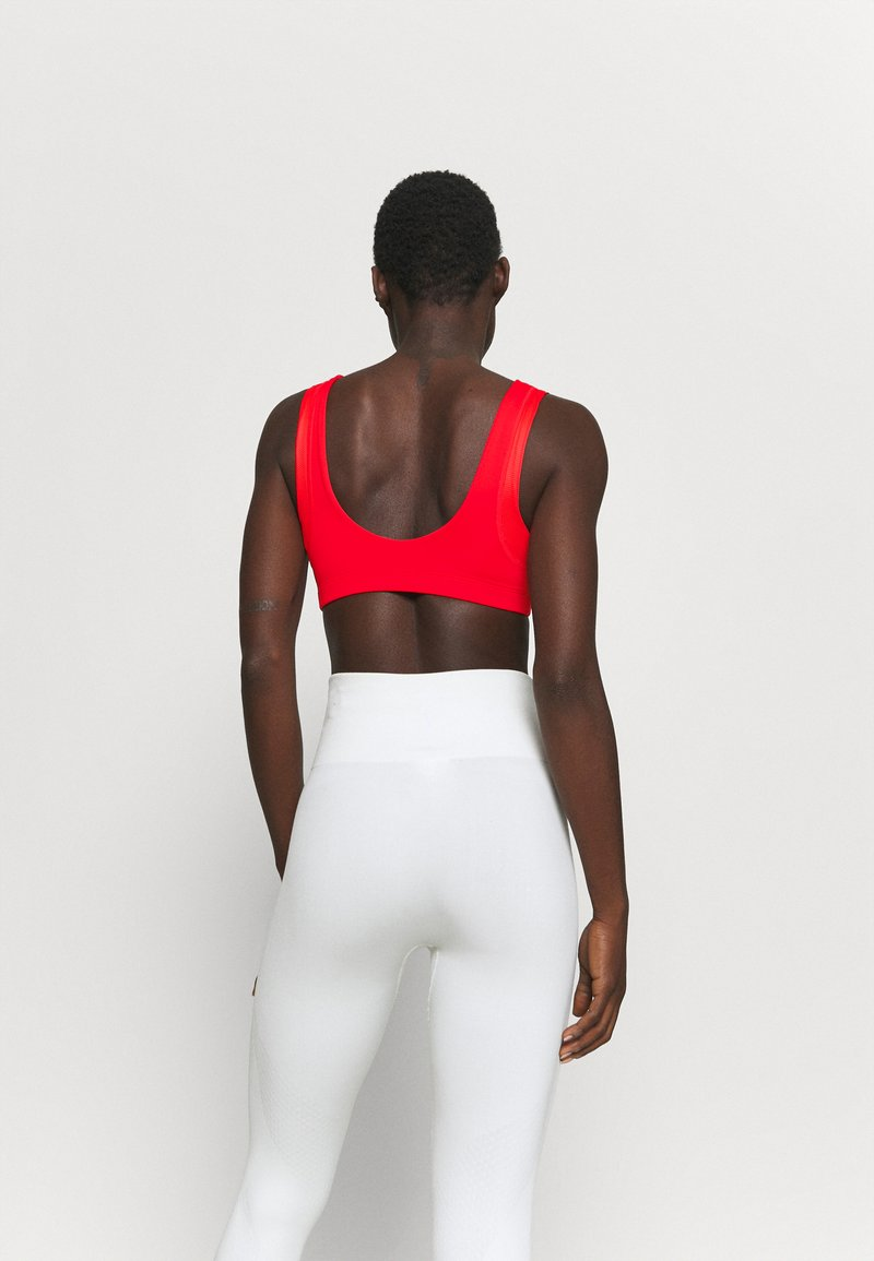 Nike Performance - INDY BRA - Sports bra - chile red/white