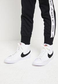 Nike Sportswear - BLAZER MID - High-top trainers - white/black - 0