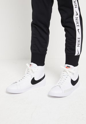 BLAZER MID - Korkeavartiset tennarit - white/black
