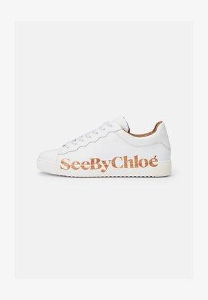 ESSIE - Sneakers laag - white