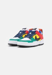 Nike Sportswear - DUNK - Sneakers - wolf grey/black/tour yellow/university red/midnight navy/green noise - 2