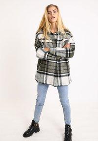 Pimkie - Krátký kabát - khaki - 1