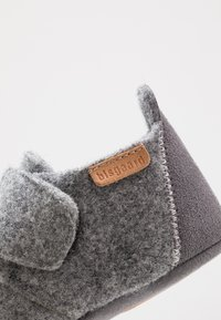 Bisgaard - BABY HOME SHOE - Pantoffels - grey - 2