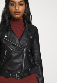 ONLY Petite - ONLVALERIE JACKET - Veste en similicuir - black - 5