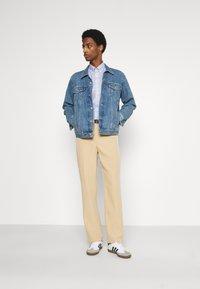Tommy Hilfiger - SOFT MINI FLORAL PRINT - Skjorta - pebble blue - 1