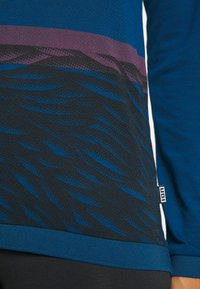 ION - TEE SEEK - Top sdlouhým rukávem - ocean blue - 5