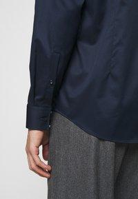 HUGO - JASON - Kostymskjorta - open blue - 5