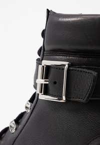 Even&Odd - LEATHER LACEUP BOOTIE - Botines camperos - black - 2
