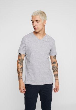 BASIC REGULAR FIT V-NECK TEE - Basic T-shirt - grey melange