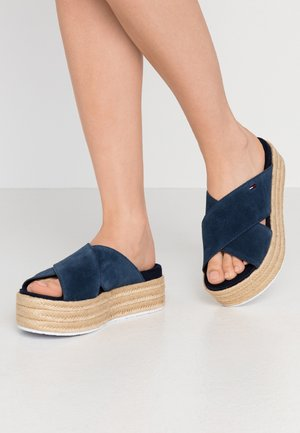 CRISS CROSS MULE FLATFORM - Heeled mules - twilight navy