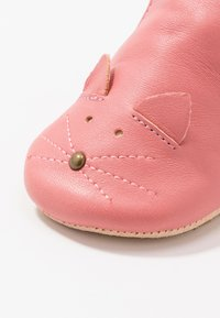Easy Peasy - CHAT/SOURIS GIFT SET - First shoes - rosy - 2