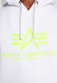 Alpha Industries - Bluza z kapturem - white/neon yellow - 6
