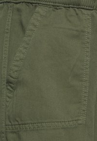 GAP Maternity - UTILITY - Tracksuit bottoms - greenway - 2