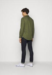 Polo Ralph Lauren - NATURAL - Skjorter - supply olive - 2