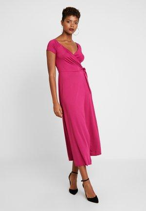 DRESS - Maxi šaty - marsala