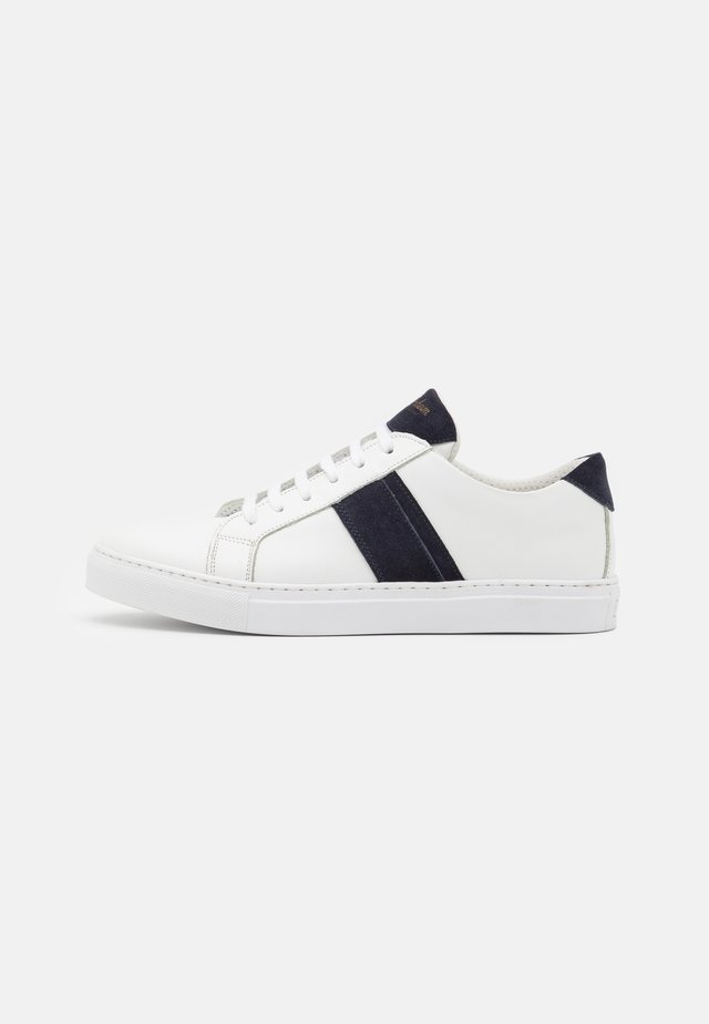 ALICANTE - Trainers - white/blue