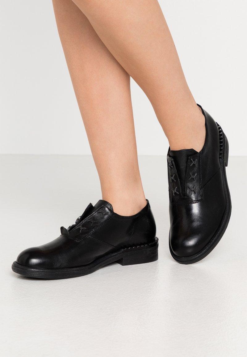 MJUS - Šněrovací boty - nero