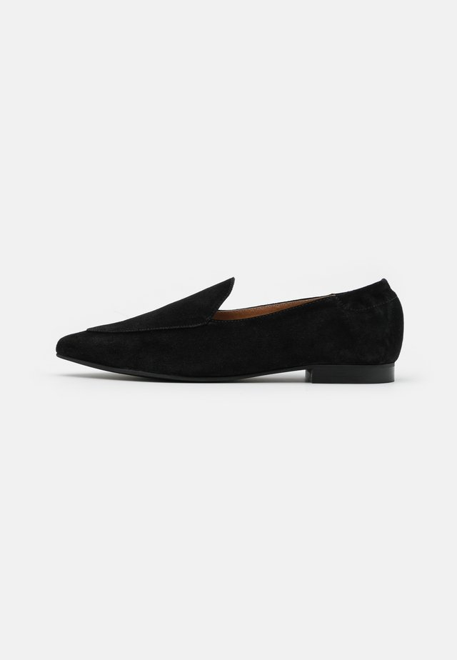 BIATRACY LOAFER - Loafers - black