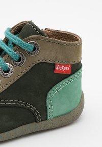 Kickers - BONZIP - Dětské boty - kaki/vert - 5