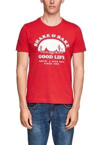 s.Oliver - MIT SCHRIFTPRINT - Print T-shirt - red good life print - 2