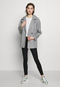 Dorothy Perkins - SHORT WRAP LIGHTWEIGHT COAT - Krátký kabát - grey - 1